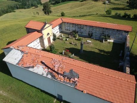 Cimitero di Roncastaldo, ancora da ripristinare i danni causati dal vento di dicembre